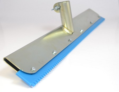 Vi Distribution 560mm Pu 6mm V Notched Squeegee